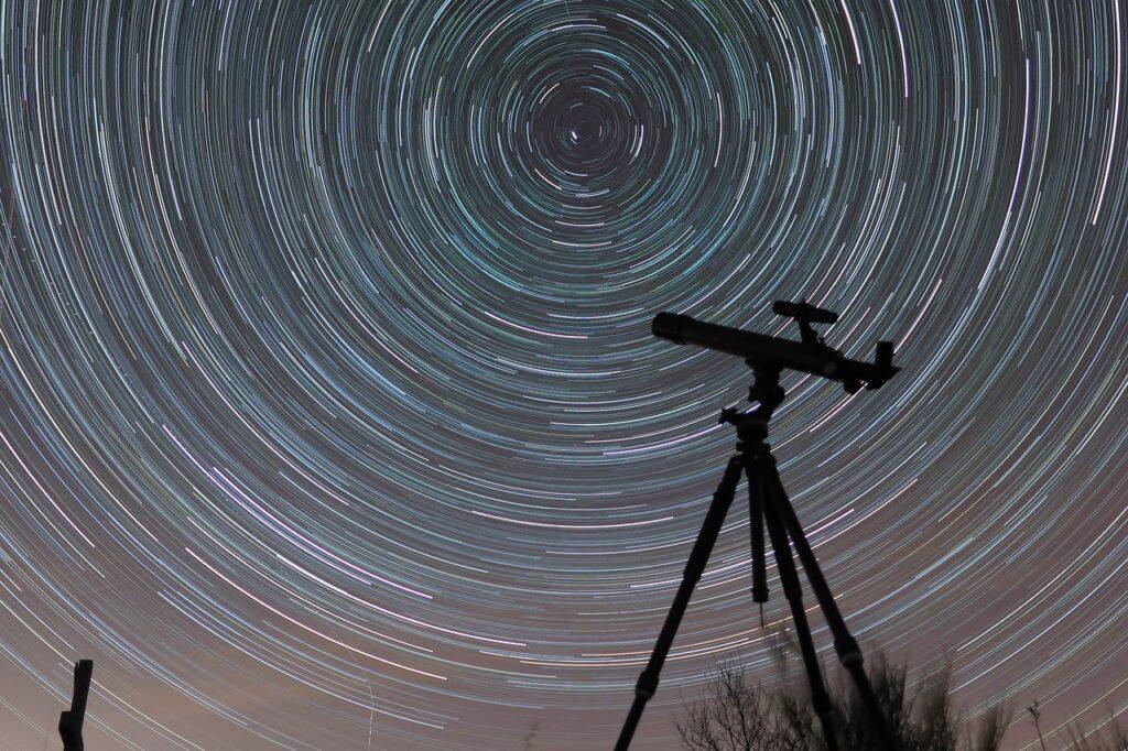 Pozorujte noční oblohu s těmi správnými dalekohledy